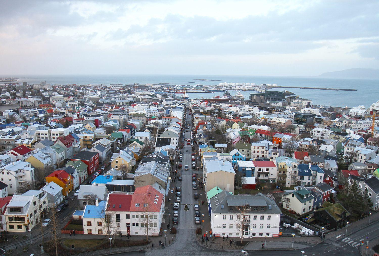 vue de église de hallgrimskirkja à Reykjavik