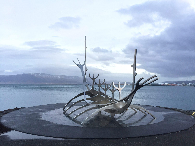 sculpture de drakkar à reykjavik