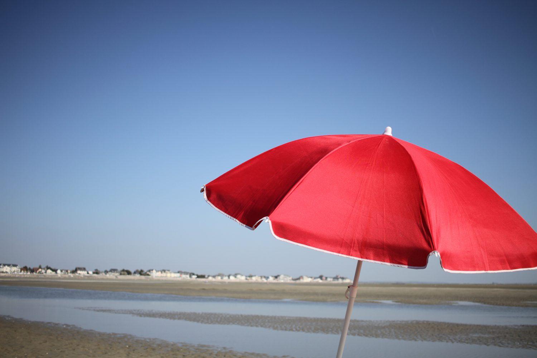 parasol rouge baie de somme