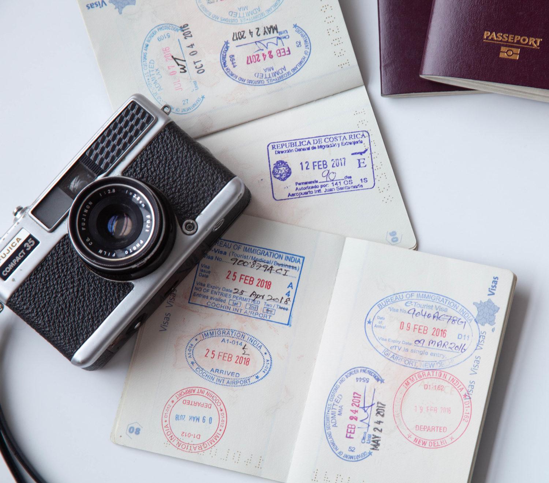 passeport et visa pour voyager avec des enfants