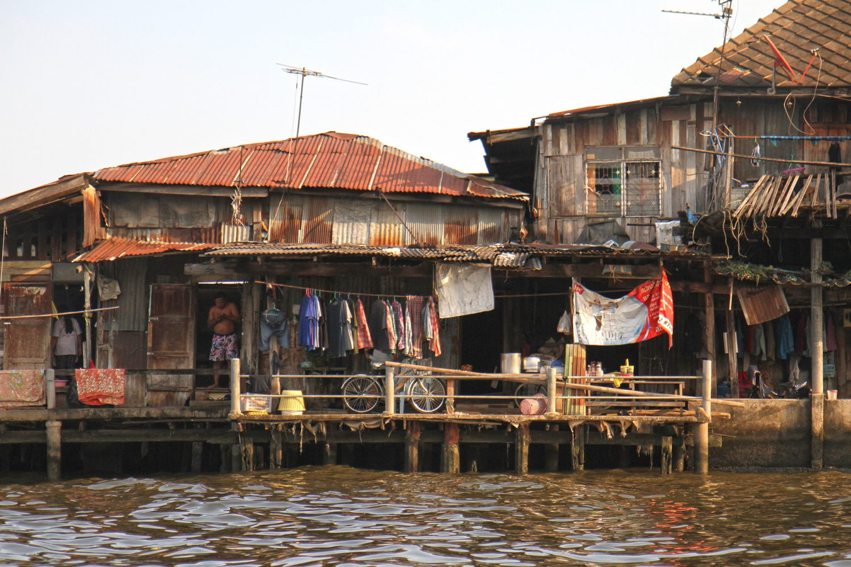 Maisons sur l'eau : les klongs de Bangkok