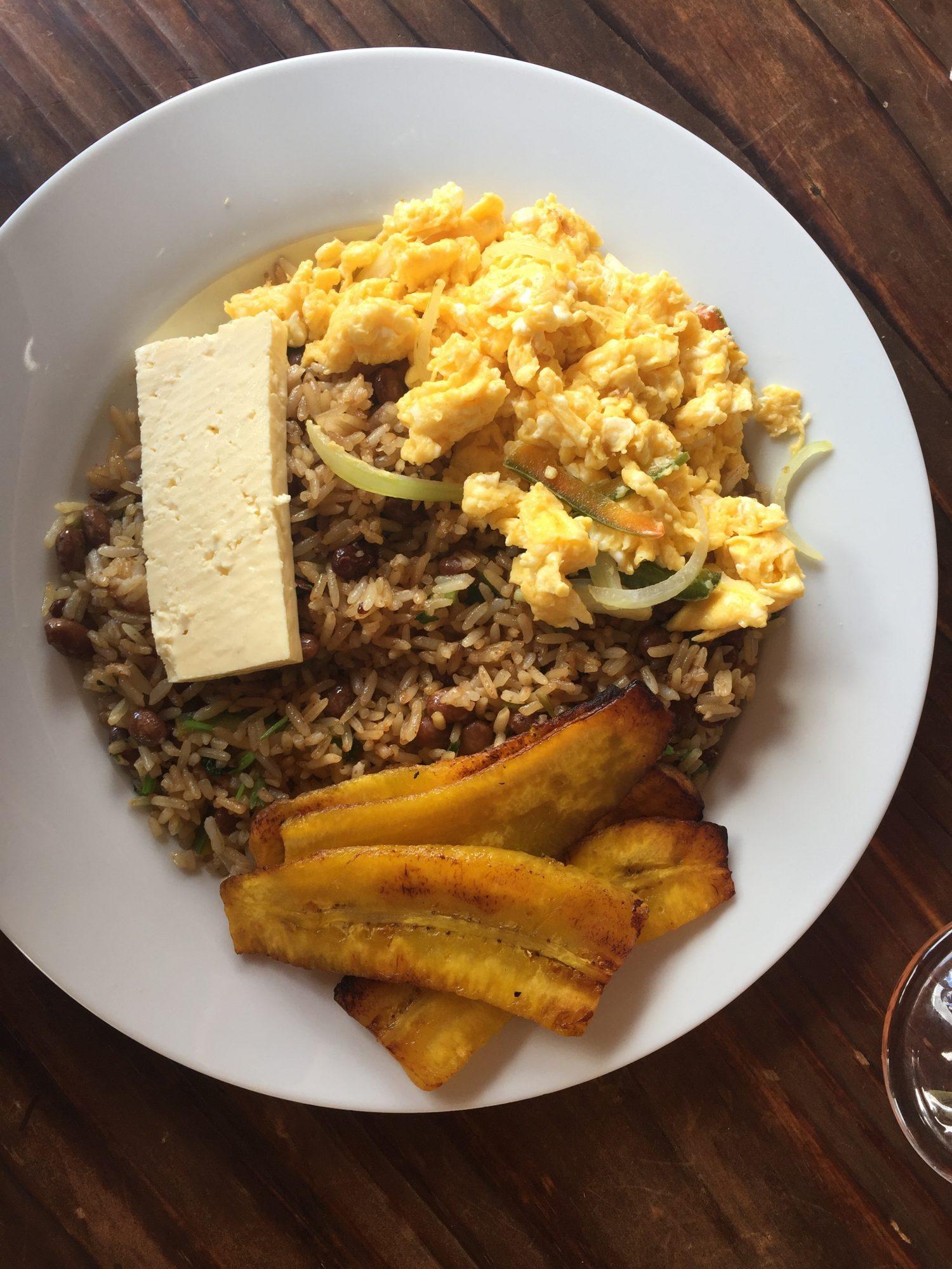 Tico breakfast au costa rica