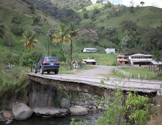 le pont de rio chiquito arenal monteverde