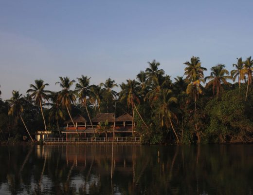 vala house backwaters Cherai beach