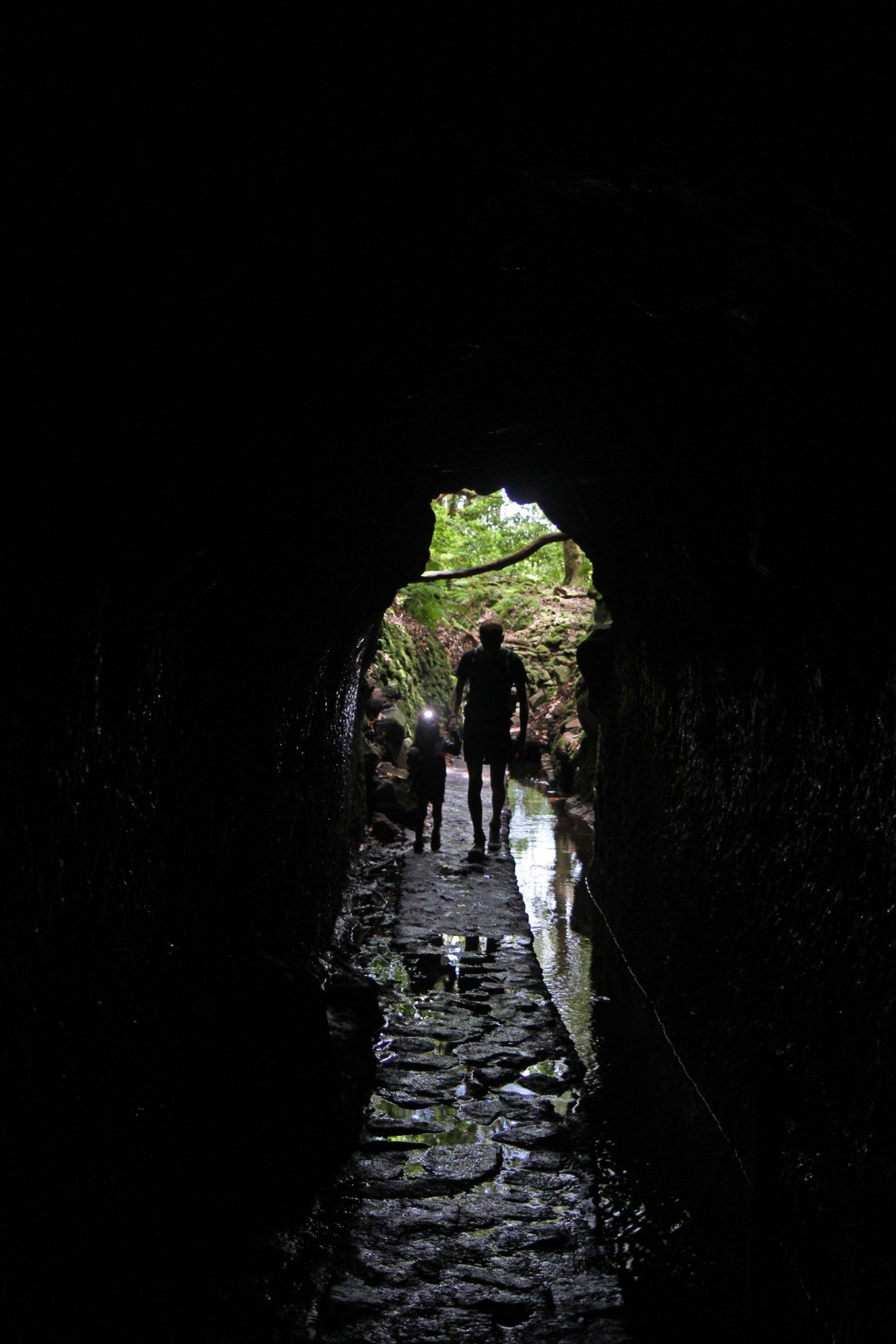 Madère randonnée du Caldeirao Verde tunnel