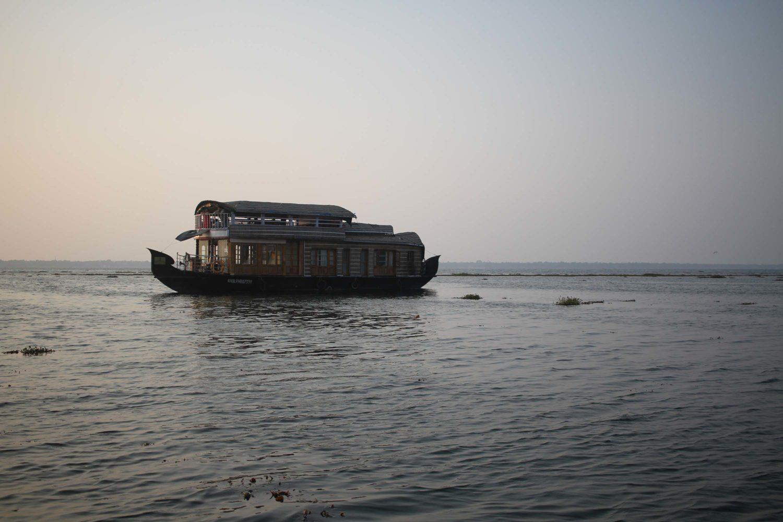 kerala backwaters Kumarakom  cgh earth coconut lagoon
